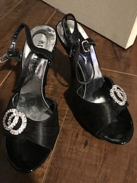 Black satin heels size 6 bought in Italy Westmount, H3Z 2H3
