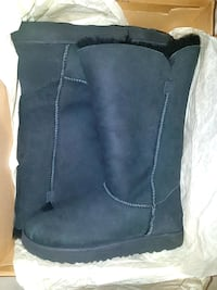 Authentic UGG boots for sale - Size 9 Toronto