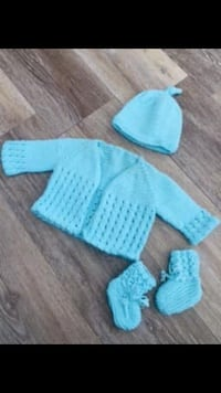Gorgeous blue sweater set with booties for new baby first outfit Calgary, T3K 6J7