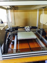 Huge 3 D printer comes with everything SEE photos
