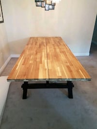 Dining room table can fit 8 to 10 people Newmarket, L3Y 4P6