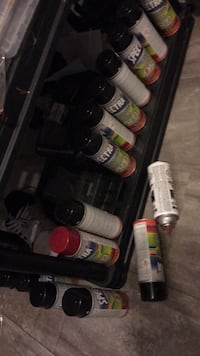 Black or red spray paint cans NEW Surrey, V3X 1A9