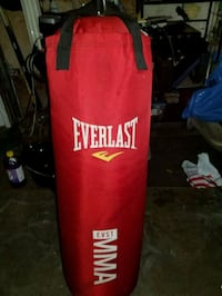 red and white Everlast heavy bag San Francisco, 94124