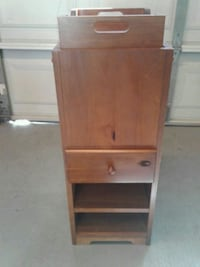 Side drawer with serving tray