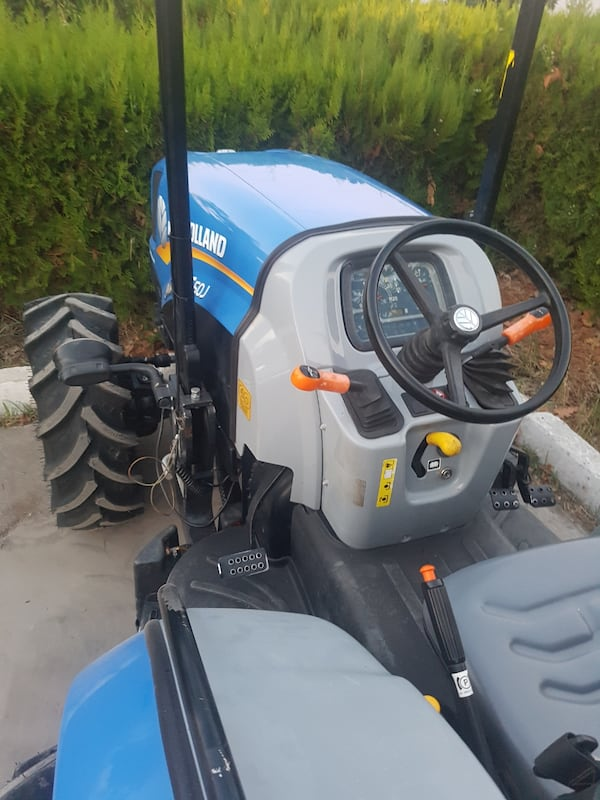 NEW HOLLAND TT50J JUNiOR  613ad9f9-db08-45df-a0ae-5a8f545c65fb