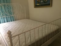 Queen bed with mattress good condition Centreville, 20121