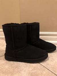 Youth Ugg Boots - Size 4US Vaughan, L4L 5G1