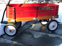 Radio Flyer Town and Country Wagon New Market, 21774