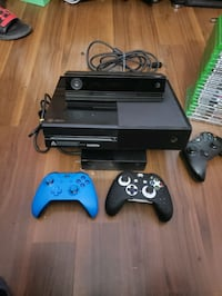 XBOX ONE WITH KENECT & 2 CONTROLLERS