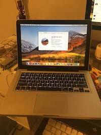 "MacBook Pro ""Core 2 Duo"" 2.4 13"" Mid-2010 Bedford, B4A 0B6"