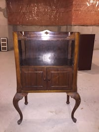 Vintage side table/mini armoire
