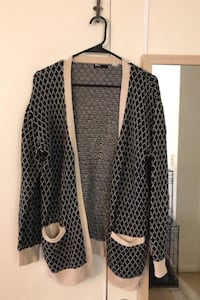 Knit cardigan from Urban Outfitters - size L Arlington, 22201