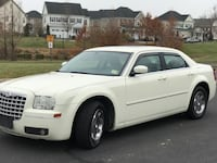 Chrysler - 300 - 2005 Bristow, 20136