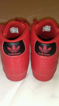 6.5 Boys Adidas Red & Black  Washington, 20012