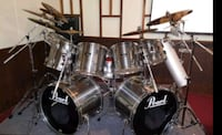 14 peice Pearl drum kit with cymbals