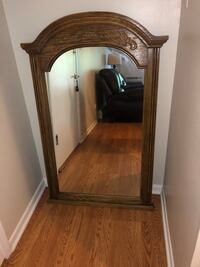 Wooden framed mirror Downers Grove, 60515