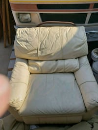 white leather padded recliner chair Tulare, 93274