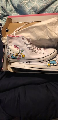Hello kitty converse shoes size 10 in woman Troy, 45373