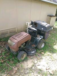 black and gray ride on mower Chickasaw, 36611