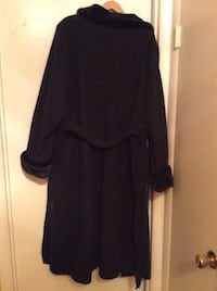 Women long black coat size 3X. Oxon Hill, 20745