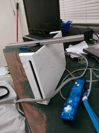 white Wii With All Cords Controller And Game And Memory Card jailbroke Evansville, 47713