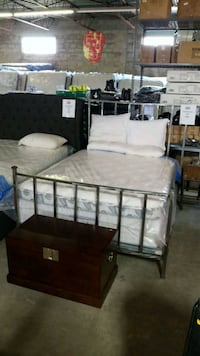 Queen metal bed frame. Mississauga, L4X 1R1