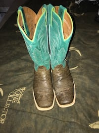 Pair of green-and-brown leather cowboy boots size 6 Noonday, 75703