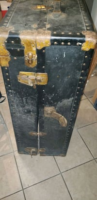 Old antique Trunk  Baltimore, 21216