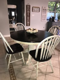 Table+4 chairs  Mount Airy, 21771