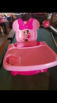 Minnie Mouse  booster seat  Shenandoah Junction, 25442