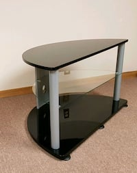 Glass tv stand with shelves Tempered glass shelves Barrie, L4M