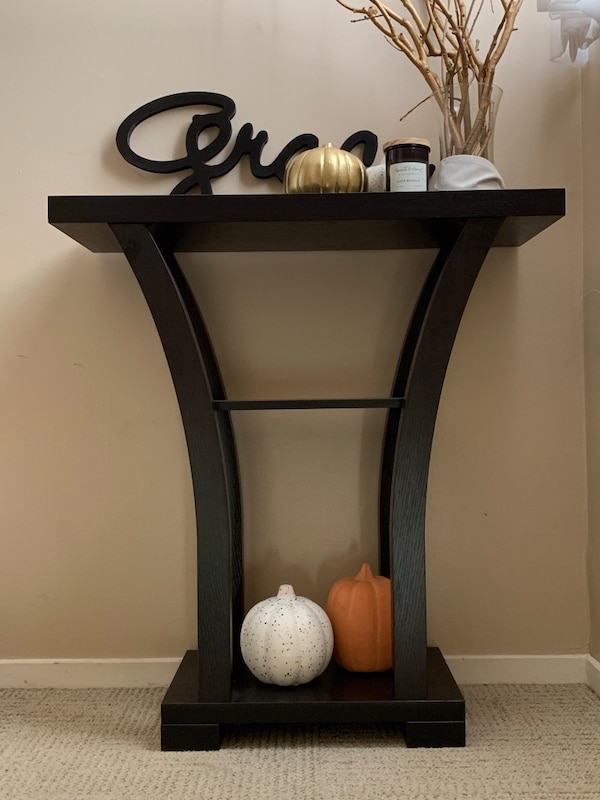 Chic Shelf/Entry Table