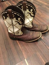 pair of brown-and-white leather square-toe cowboy  Springfield, 65802