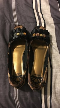 Pair of black and gold flats Gilroy, 95020