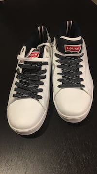 white and black levi's sneakers Leesburg, 20176
