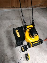 Brand new battery operated DeWalt lawn mower Puyallup, 98373