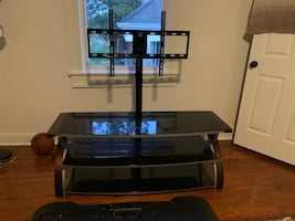 Lightly used TV Stand