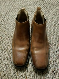 Pair of brown leather dress shoes Size 12 Germantown, 20874