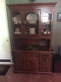Lighted China cabinet/hutch -great condition Falls Church