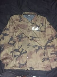 Cali Windbreaker Mens size Large 2084 mi