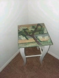 green and brown wooden side table Jacksonville, 32205