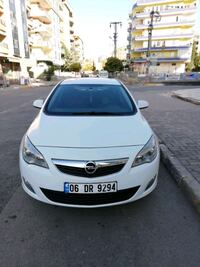2012 Opel Astra edition