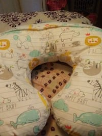 Baby propping pillow