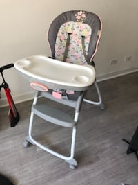 High chair for girls must go today!!! Miami Beach