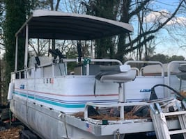 Great  pontoon boat trade or sale must go