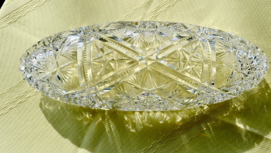 Beautiful Vintage (20's) America Cut Glass Crystal Bowl 63196208-2807-4f08-8b96-d5a7c3faae43