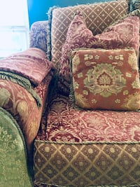 Jeff Zimmerman Farmhouse Shabby Chic Couch floral sofa chair Gaithersburg, 20878