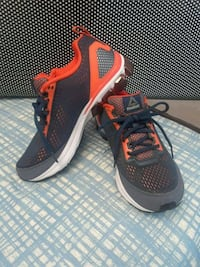 pair of black-and-red Nike running shoes Hagerstown, 21740