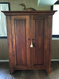 brown wooden 2-door cabinet Olney, 20832