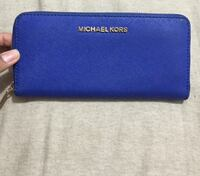 Blue mchael kors leather zip long wallet Toronto, M5A 2P7